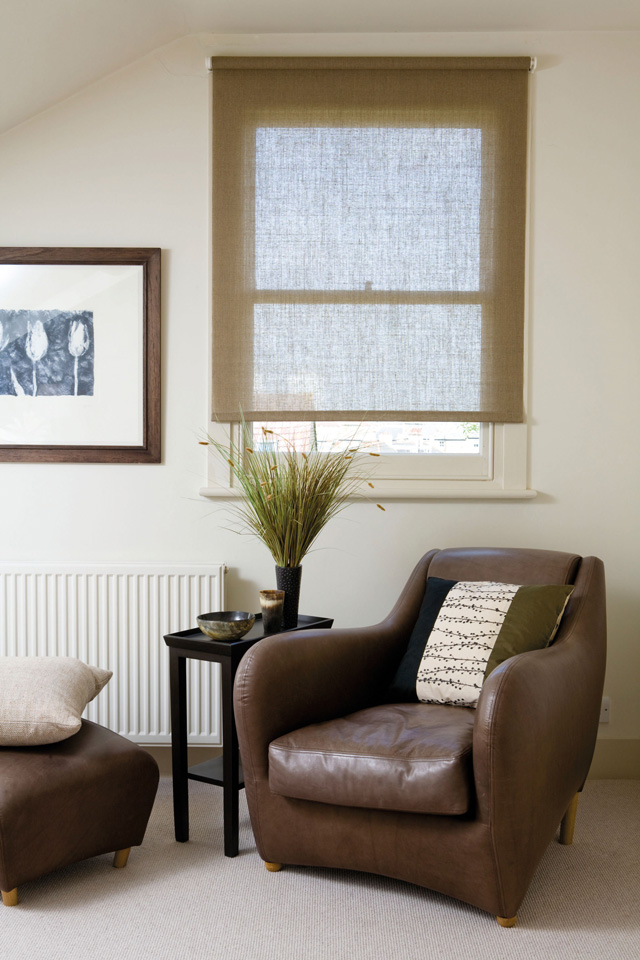 easy fit roller blinds measuring service. Black Bedroom Furniture Sets. Home Design Ideas